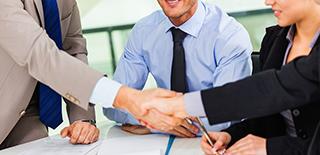 contrats, propriété intellectuelle, procédure commerciale, droit fiscal, droit pénal.